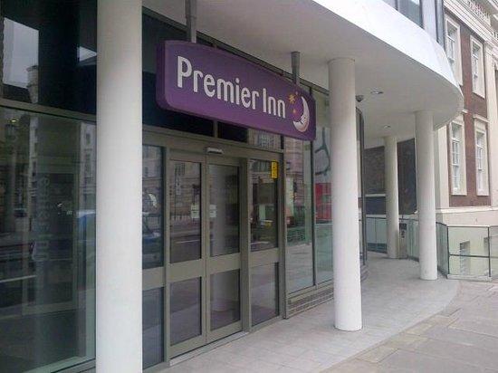 Premier Inn London Waterloo (Westminster Bridge) Hotel: Hotel Entrance