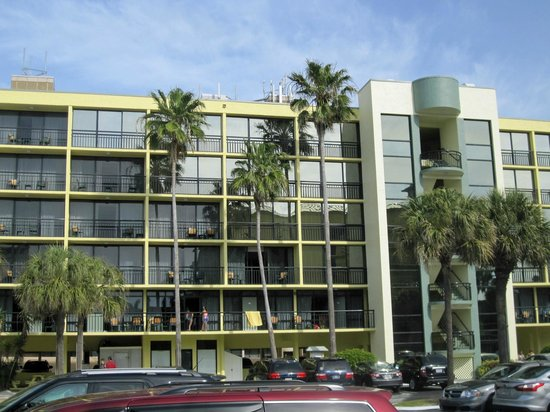 Sirata Beach Resort: Balconies in building 4
