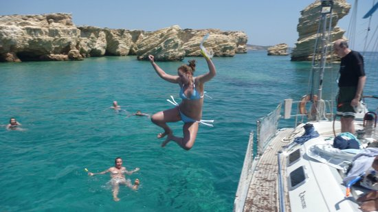Náxos, Griekenland: ANOTHER JUMP IN THE BLUE CLEAR WATERS IN KOUFONISSIA