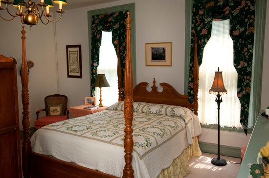 "Meadows Inn B & B: ""Bells of Ireland Room"""
