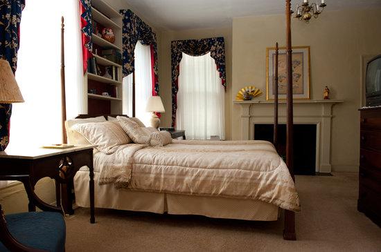 Meadows Inn B & B: Oriental Room