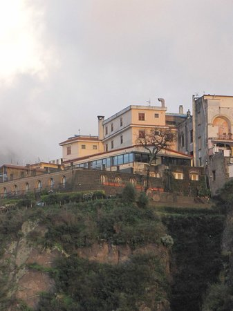 La Ripetta: the hotel from the fishing port