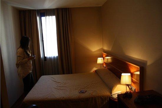 Hotel HLG CityPark Pelayo: Quarto