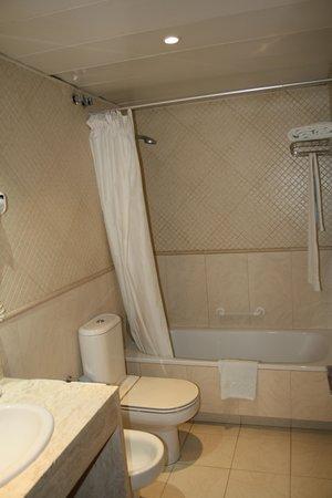 HLG CityPark Pelayo Hotel: WC