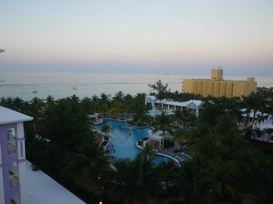 ClubHotel Riu Ocho Rios: Pool on the non duluxe side