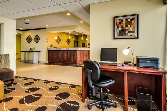 BEST WESTERN Geneseo Inn: Business Center