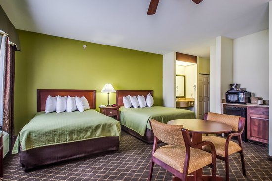 BEST WESTERN Geneseo Inn: Two Queen Bedroom
