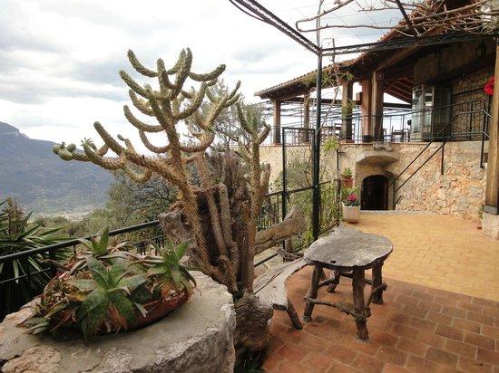 Mirador Ses Barques: Blick zum Eingang und zur Terasse