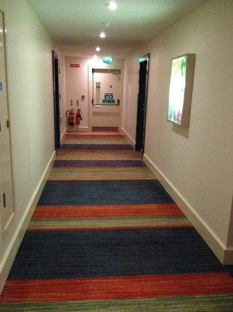 Absolute Hotel: hallway