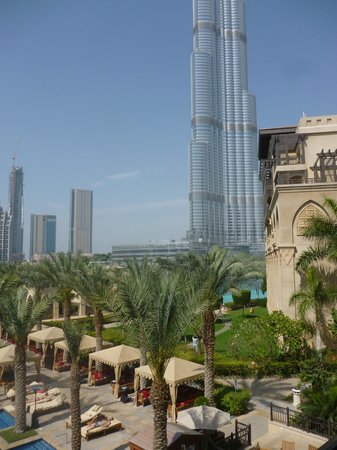 The Palace Downtown Dubai: burj