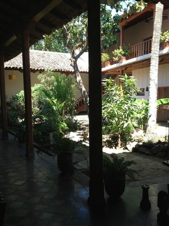 Hotel con Corazon: De binnentuin