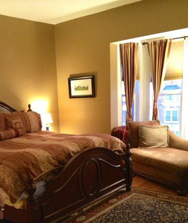 The Croff House Bed and Breakfast: The Esselstyn Suite