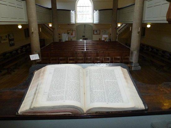 The New Room/John Wesley's Chapel: John Wesley's Chapel interior