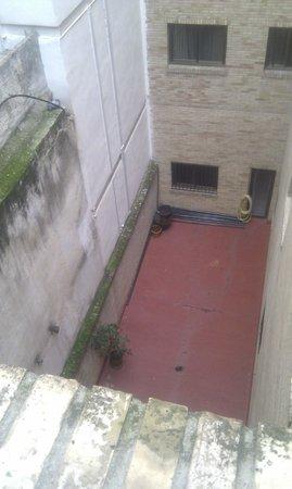 Hotel Juan Miguel: Patio interior