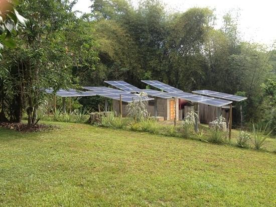 duPlooy's Jungle Lodge: duPlooy's solar power