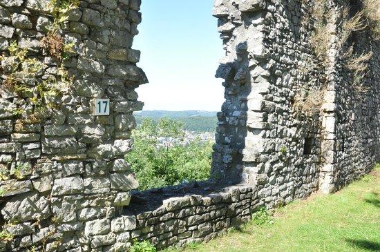 Forteresse Médiévale de Poilvache : La Brèche des Patriotes