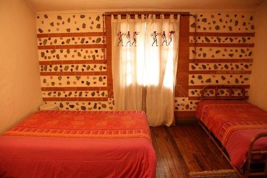 Villa Iarivo: The rock room!