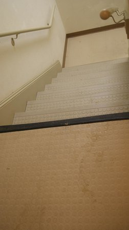 Extended Stay America - Greensboro - Wendover Ave.: stairs