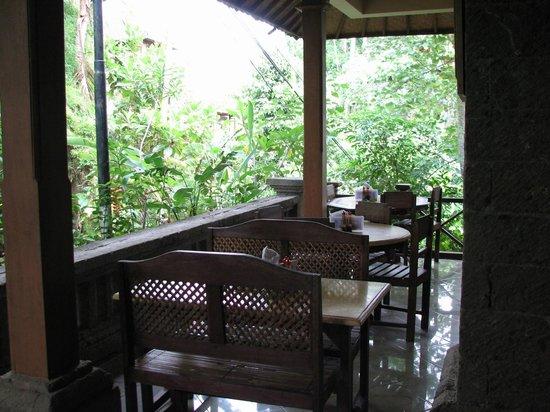 Ibu Putu's Warung : Guest Tables at Ibu Putu's