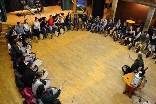 Bodhran Experience: my study abroad group learning