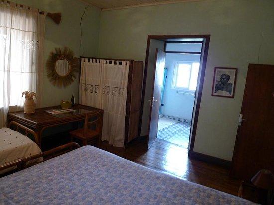 Villa Iarivo : Boabab room and ensuite