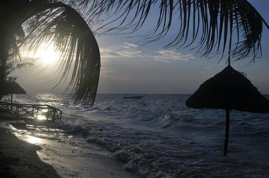 Butiama Beach: abendstimmung am strand