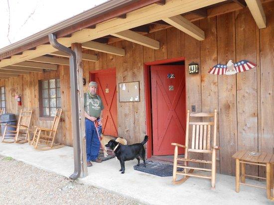 Riverstone Lodge: Patio