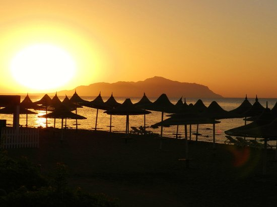 Melia Sinai: Sunrise over Tiran Island