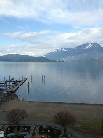Harrison Hot Springs Resort & Spa: view from our East Tower room
