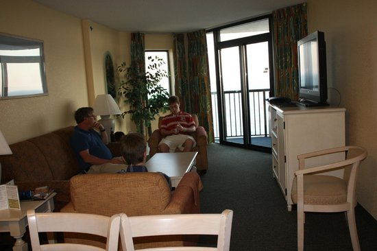 Compass Cove Oceanfront Resort: Our living room area