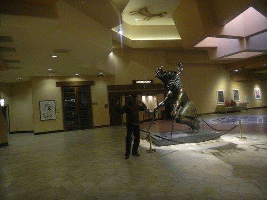 Hilton Santa Fe Buffalo Thunder: ! st floor