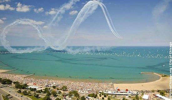 Lake Michigan: Air and Water show