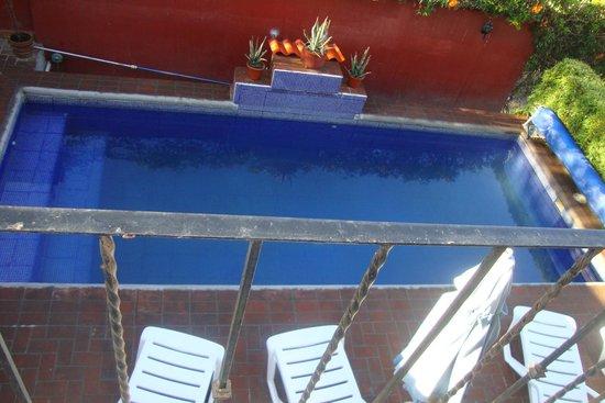 La Casa del Volcan: Alberca, limpia y suficiente para el hotel
