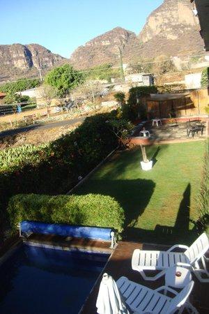 La Casa del Volcan: Jardin y patio con asador y zona de relax