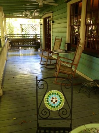 The Magnolia Plantation Bed and Breakfast Inn: 1/2 of the Carriage House private veranda