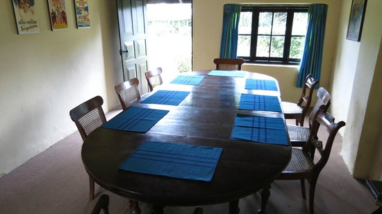 Ferncliff: Dining Table