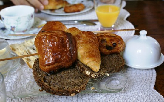 Ermitage de la Fontaine des Roches : Ontbijt