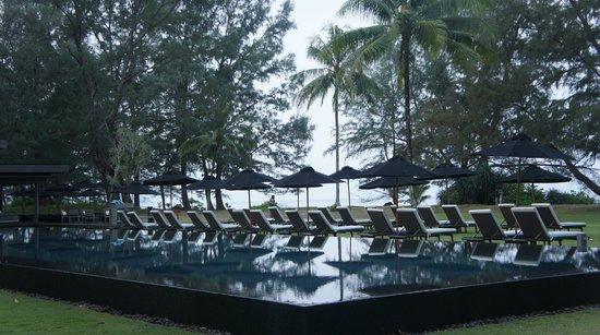 SALA Phuket Resort & Spa: piscine