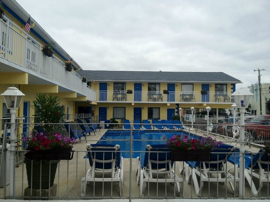 Nantucket Inn & Suites in Wildwood Pool