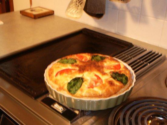 Rosemarie's Guest House B&B: Breakfast Quiche