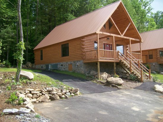 The three bedroom log cabin picture of white oak lodge for 3 bedroom log cabin prices