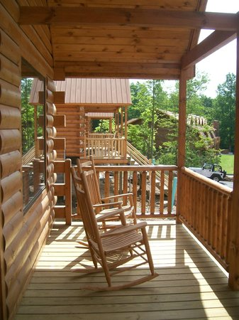 White Oak Lodge U0026 Resort: The Front Porch Of Every Vacation Log Home Offers  Two