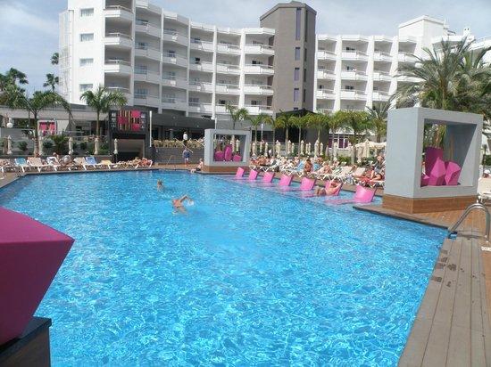 Hotel Riu Don Miguel: Vista de la piscina