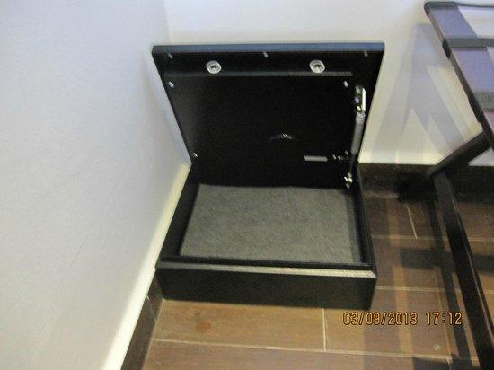 Oasis Tulum: the safe