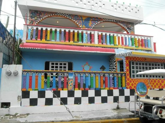 Playa Norte: Casa de Colores - somewhere on La Isla