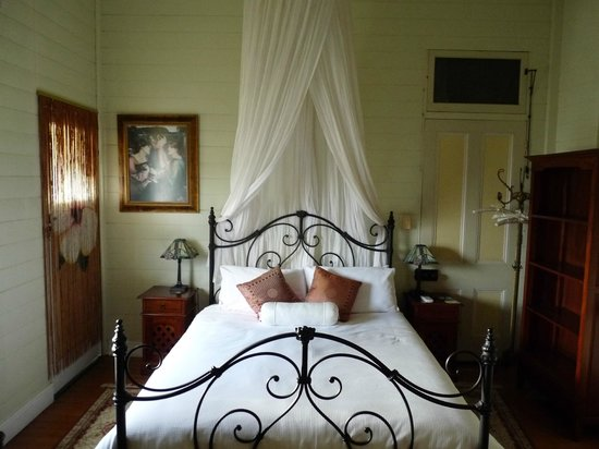 Classique Bed and Breakfast: Pearl room