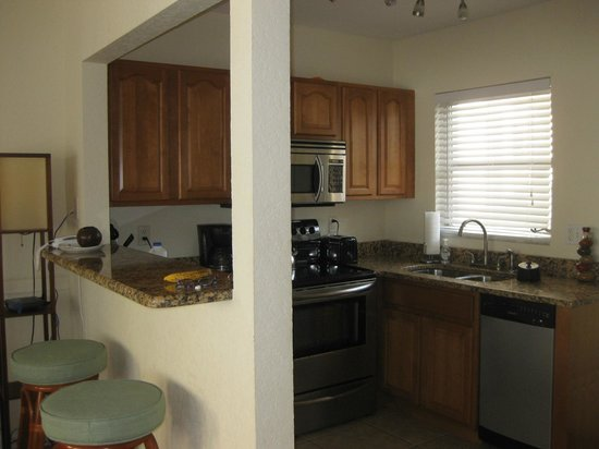 The Sea Spray Resort: fully stocked open funtional kitchen with breakfast bar