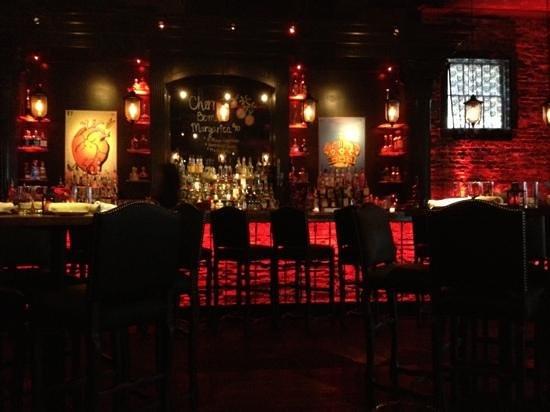 Red Lulu Cocina & Tequila Bar: Red lulu bar