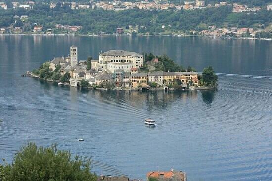 Orta San Giulio, Italien: Lago d'Orta e isola di S.Giulio