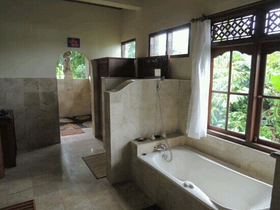 Alam Jiwa: bathroom